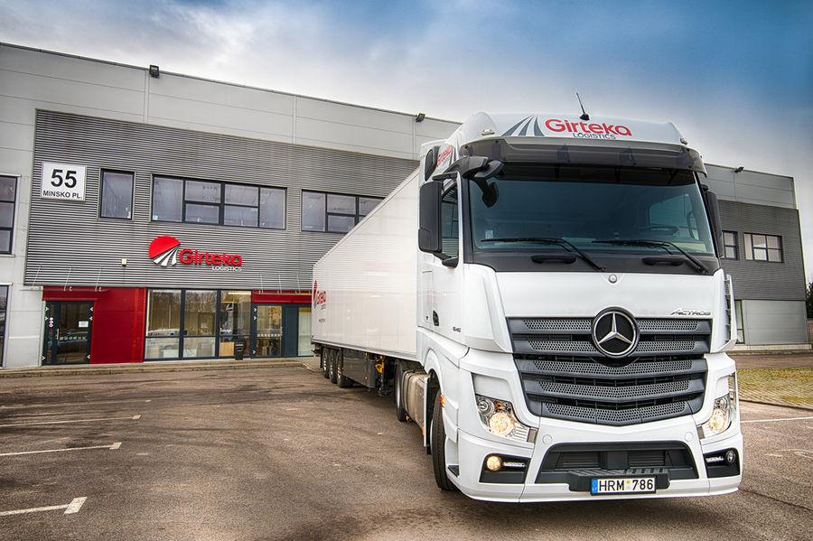 Mercedes-Benz tarnib Leetu 1000 veoautot