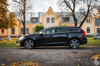 Volvo V60 R-Desing Kinetic AWD 2.4 D5 151kW