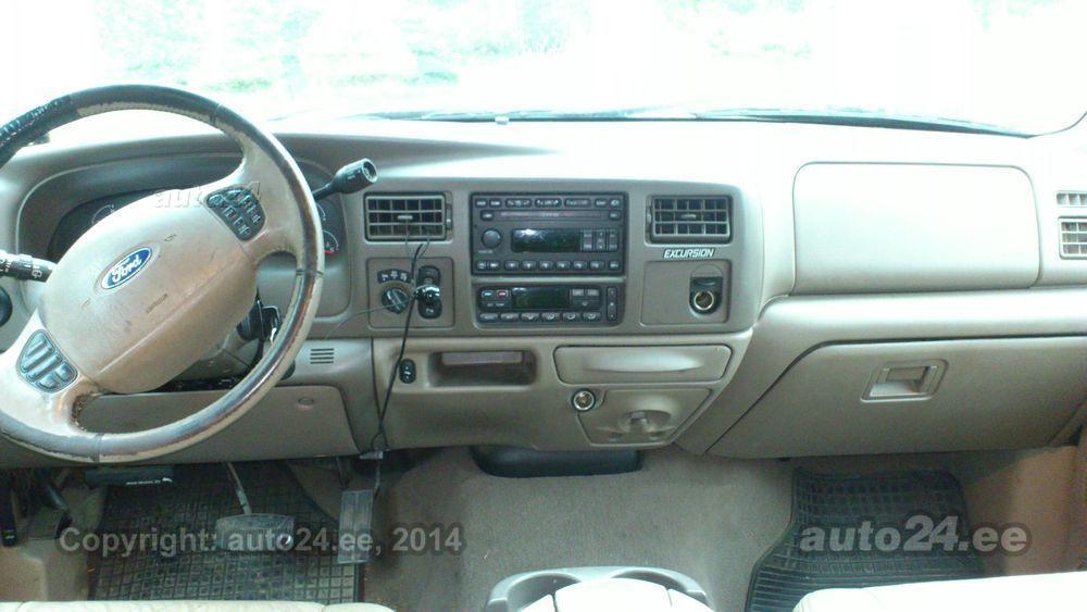Ford Excursion Limeted 6.0 V8 TD 240kW