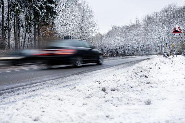 Eestis suureneb kõrgemate hooldustasemetega teede hulk. Foto: Newspress