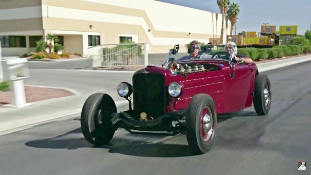 Duesenberg Hot Rod. Kaader: Youtube