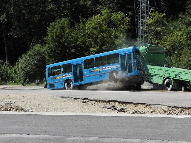 Avarii bussiga. Foto: www.dtc-ag.ch