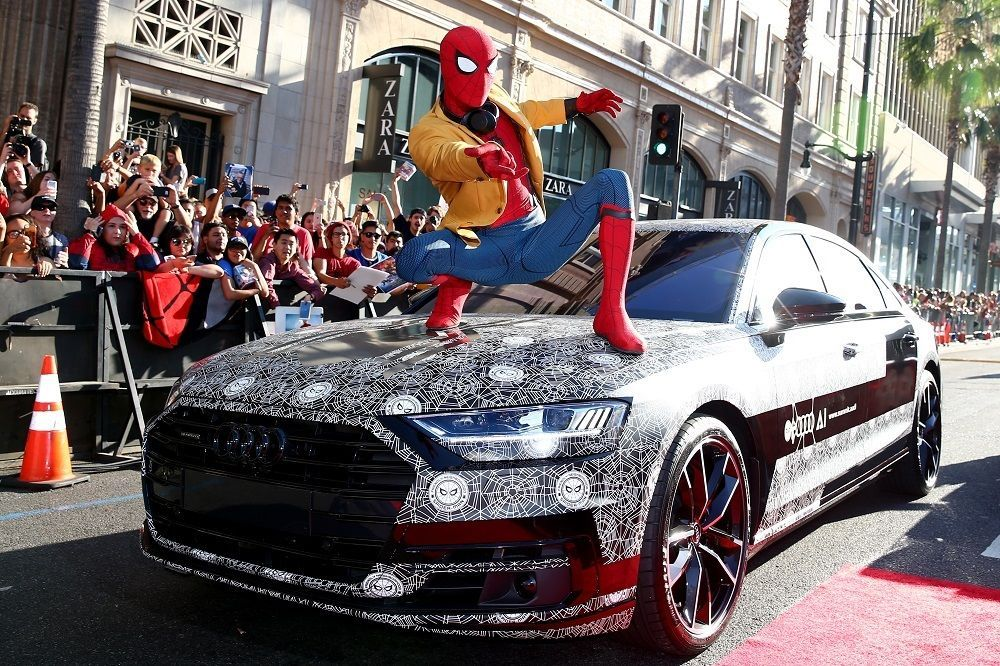 Audi näitas uue filmi esilinastusel uhiuut Audi A8