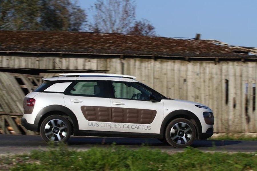 Citroëni džiibilik väikeauto C4 Cactus paistab silma eriskummalise disainiga ning üritab sõitjaid igati meelitada, ent lõpuks ajavad väiksed ergonoomikaapsud juhi lihtsalt närvi.
